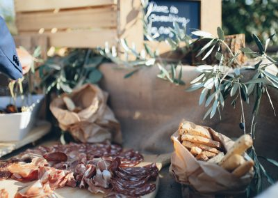 catering_cerinella_ ountry_aperitif_buffet_tuscanstyle_salami_matrimonio_toscana_wedding_Tuscany
