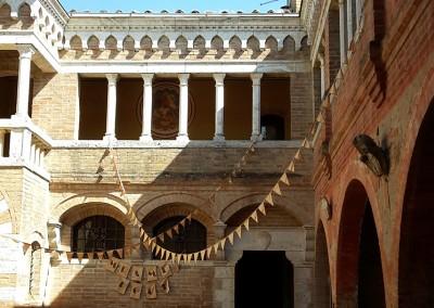courtyard wedding tuscany