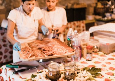 serena_olivier_wedding_umbria_italy_catering_cerinella_cocktail_aperitif (1)