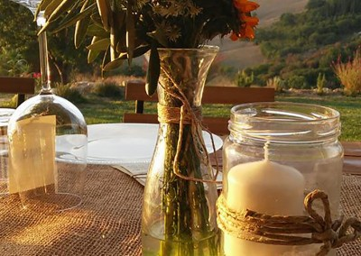 wedding centerpiece, mason jars, burlap and twine
