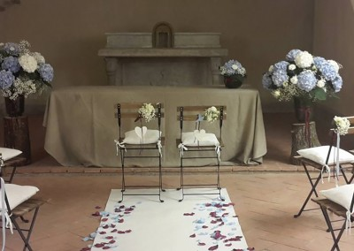 wedding ceremony blue hydrangea