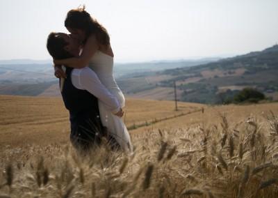 wedding_tuscany_val_d_orcia_pienza_cerinella_weddingplanner_catering_bride_groom_view