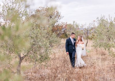 Bride_groom_wedding_Tuscany_olivegrove