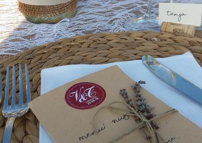 country_wedding_menu_placecard_lavender_decor_tuscany_cerinella_weddingplanner