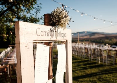 tableau de mariage_wedding tuscany_cerinella_seating plan_wood white frame