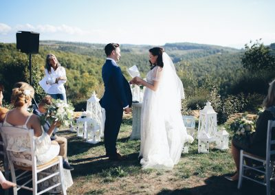wedding_ceemony_country_chic_Tuscan_view_cerinella_weddingplanner