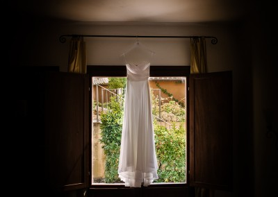 wedding_tuscany_bride_dress_white_wedding_matrimonio_toscana_abito_sposa_cerinella_weddingplanner