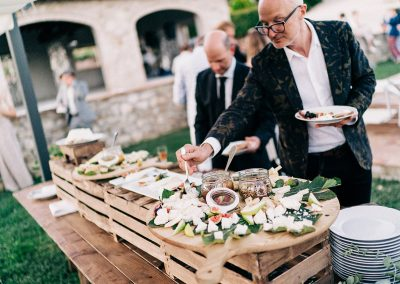 serena_olivier_wedding_umbria_italy_catering_cerinella_cocktail_aperitif (7)