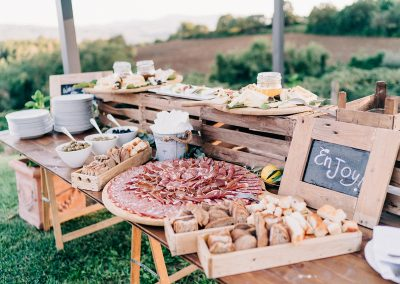 serena_olivier_wedding_umbria_italy_catering_cerinella_cocktail_aperitif (9)
