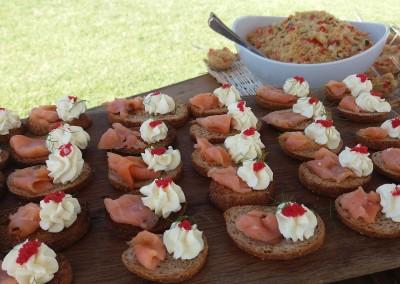 tartine_salmone_country_aperitif_buffet_aperitivo_tuscanywedding_matrimonio_toscana_catering_cerinella