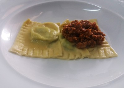 tortello_maremmano_raviolo_ragu_catering_cerinella_toscana_italia