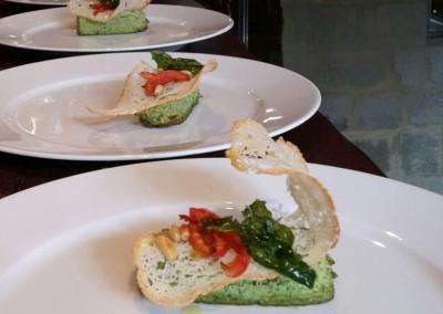 tortino_zucchine_pomodori_confit_pinoli_catering_cerinella_toscana_italia