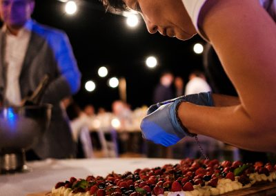 wedding cake_show cooking_berries cake_ wedding tuscany_ cerinella catering