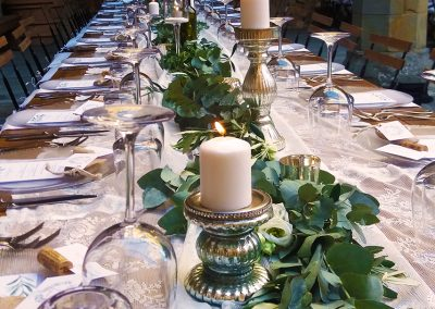 wedding_tuscany_castlewedding_cerinella_decoration_green_runner_candlestick