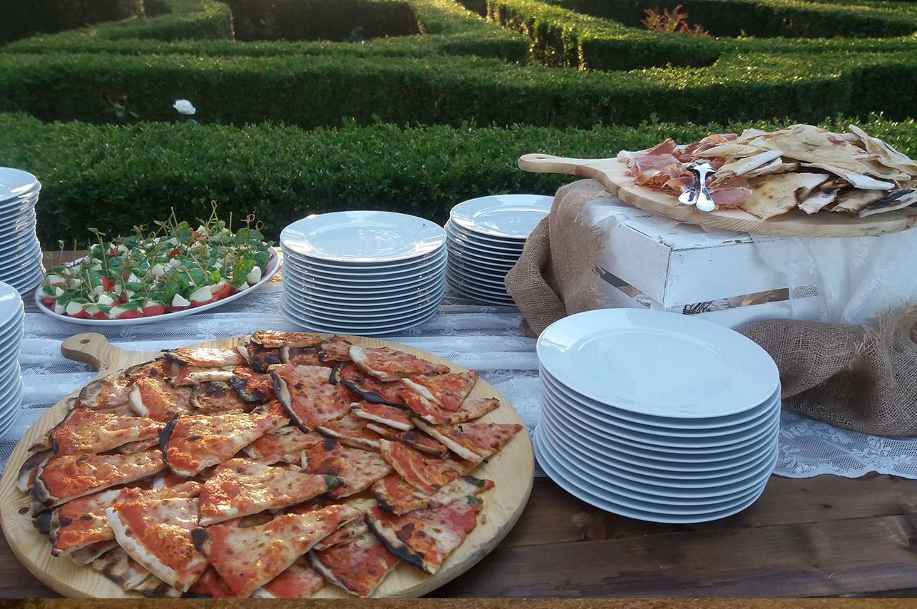 pizza_dinner_valdorcia_tuscany_buffet_catering_cerinella