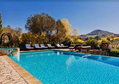 wedding_venue_montepulciano_realais_countryhouse_Tuscanview_swimmingpool_vineyard