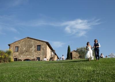 agriturismo_wedding_venue_monticchiello_pienza_val_d_orcia_tuscany_bride_groom_farmhouse