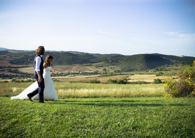 agriturismo_wedding_venue_monticchiello_pienza_val_d_orcia_tuscany_bride_groom_view_countryside