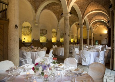 historic_wedding_venue_dimora_storica_siena_monteriggioni_val_elsa_chianti_cerinella_weddingplanner_indoor_dinner