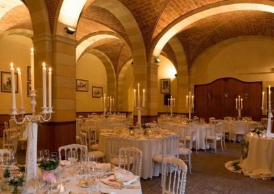 historic_wedding_venue_dimora_storica_siena_monteriggioni_val_elsa_chianti_cerinella_weddingplanner_indoor_dinner_scuderie