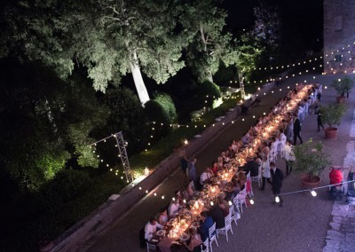 historic_wedding_venue_dimora_storica_siena_monteriggioni_val_elsa_chianti_cerinella_weddingplanner_outdoor_dinner_long_table