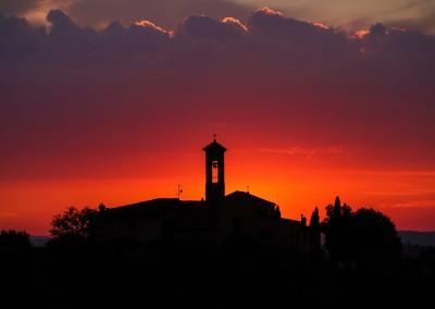 medieval_castle_chianti_firenze_wedding_historic_venue_cerinella_weddingplanner_tuscany_at_sunset