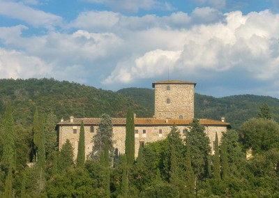 medieval_castle_chianti_firenze_wedding_historic_venue_cerinella_weddingplanner_tuscany_castle_view
