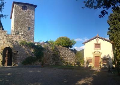 medieval_castle_chianti_firenze_wedding_historic_venue_cerinella_weddingplanner_tuscany_chapel_castle_square