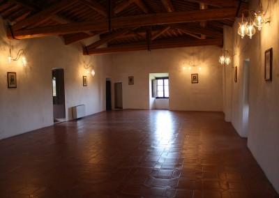medieval_castle_chianti_firenze_wedding_historic_venue_cerinella_weddingplanner_tuscany_indoor_saloon_large
