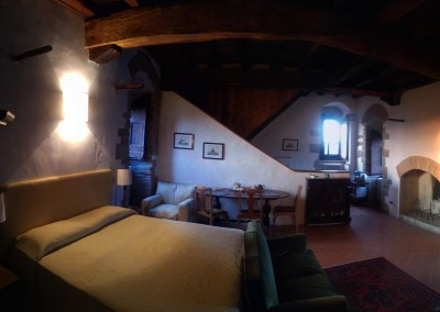 medieval_castle_chianti_firenze_wedding_historic_venue_cerinella_weddingplanner_tuscany_room_tower