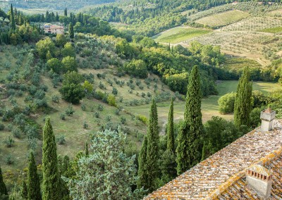 medieval_castle_chianti_firenze_wedding_historic_venue_cerinella_weddingplanner_tuscany_view_from_the_castle