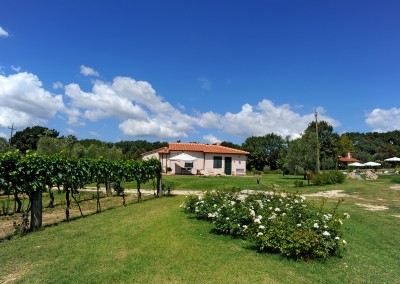 agriturismo_tuscany_cerinella_wedding_view_garden_house