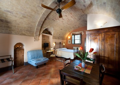 venue in val d'orcia, Example of one-room apartment (2+1), cerinella wedding