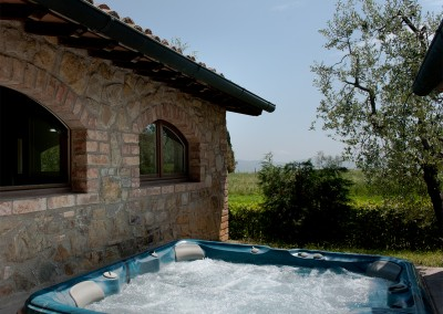 venue in val d'orcia, jacuzzi, cerinella wedding
