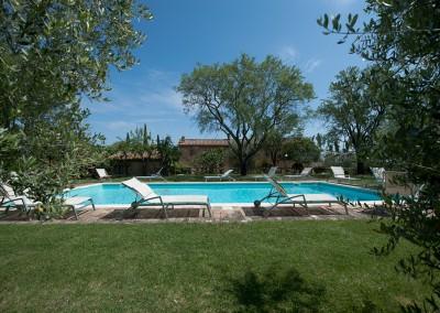 venue in val d'orcia, swimming pool 2, cerinella wedding