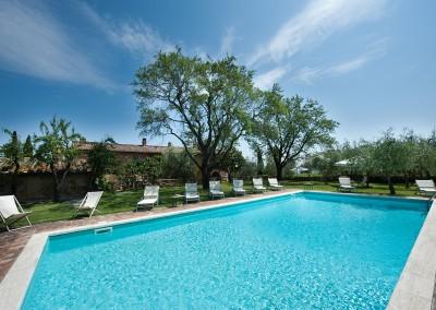 venue in val d'orcia, swimming pool 3, cerinella wedding