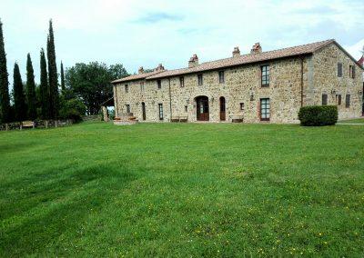 wine farm_wedding location_tuscany_cerinella_eventplanner (8)