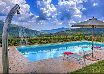 casa di elsa_villa_santa fiora_monte amiata_cerinella_wedding planning_swimming pool_view