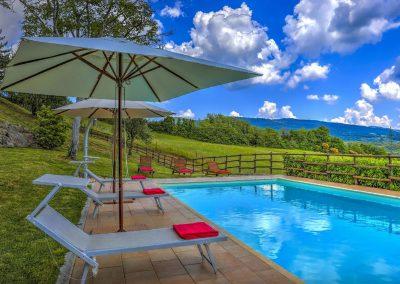 casa di elsa_villa_santa fiora_monte amiata_cerinella_wedding planning_swimming pool_view_tuscany