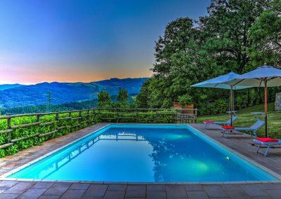 casa di elsa_villa_santa fiora_monte amiata_cerinella_wedding planning_swimming pool_view_tuscany_countryside