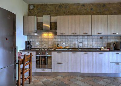 casa di elsa_villa_santa fiora_monte amiata_cerinella_wedding planning_tuscany_country style_kitchen