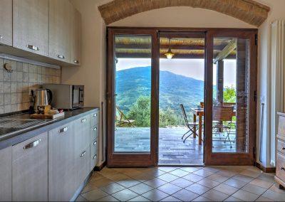 casa di elsa_villa_santa fiora_monte amiata_cerinella_wedding planning_tuscany_countrystyle_kitchen_view
