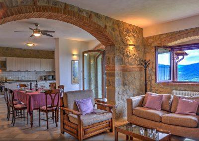 casa di elsa_villa_santa fiora_monte amiata_cerinella_wedding planning_tuscany_living room