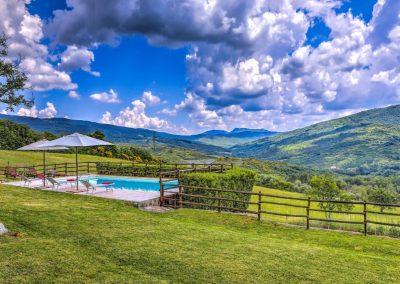 casa di elsa_villa_santa fiora_monte amiata_cerinella_wedding planning_view