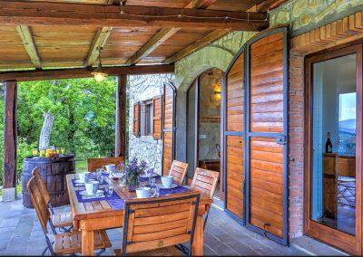 casa di elsa_villa_santa fiora_monte amiata_cerinella_wedding planning_view_tuscan countryside_porch